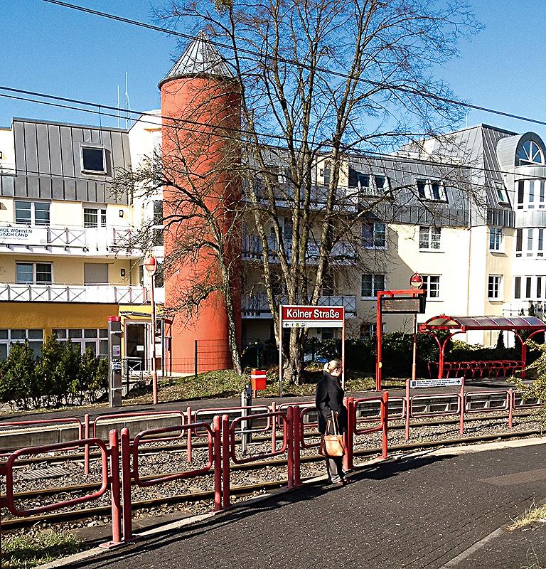 Bahnhaltestelle Kölner Straße